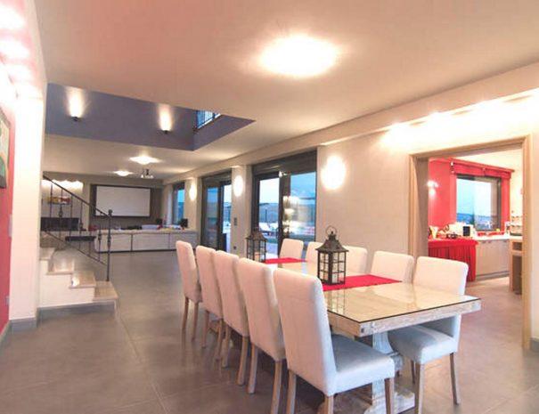 main-dining-room---distefi-hills-villa-1